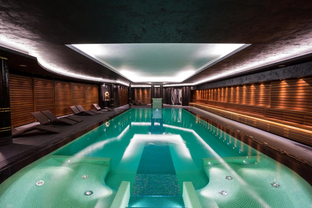 Piscine castiglione per hotel e centri fitness for Castiglione piscine