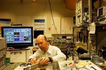 ALCATEL-LUCENT stabilisce record di trasmissione dati sottomarini