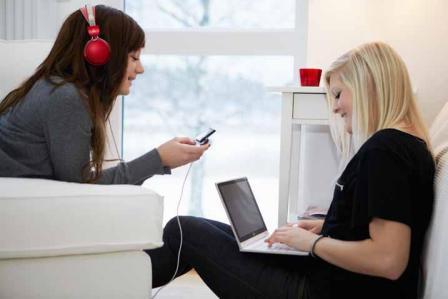 ConsumerLab ERICSSON: chi stabilisce le regole dei teenager con la tecnologia