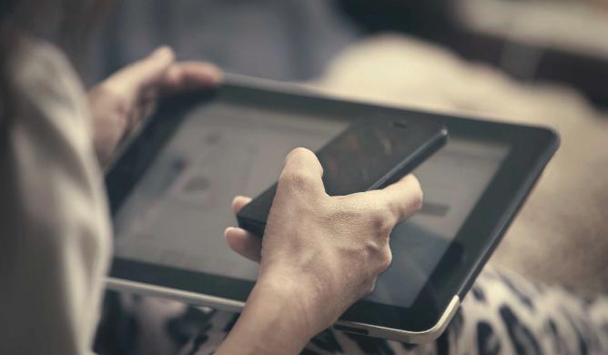 GfK per Facebook: 60% delle persone utilizza due dispositivi