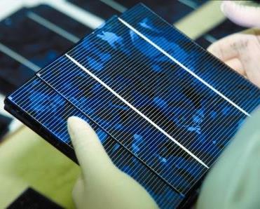 Produzione componenti elettronici: gas tecnici ecosostenibili Air Liquide con Gruppo Solvay