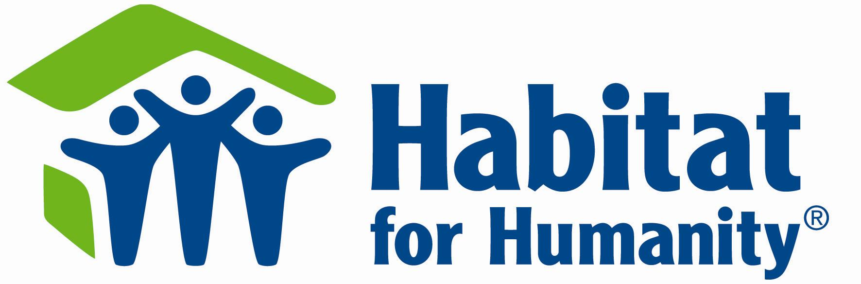 Donne manager Whirpool e volontarie muratore per Habitat for Humanity