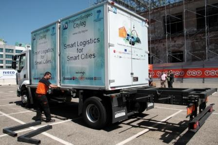 Smart Logistics for Smart Cities: TNT a Torino logistica sostenibile