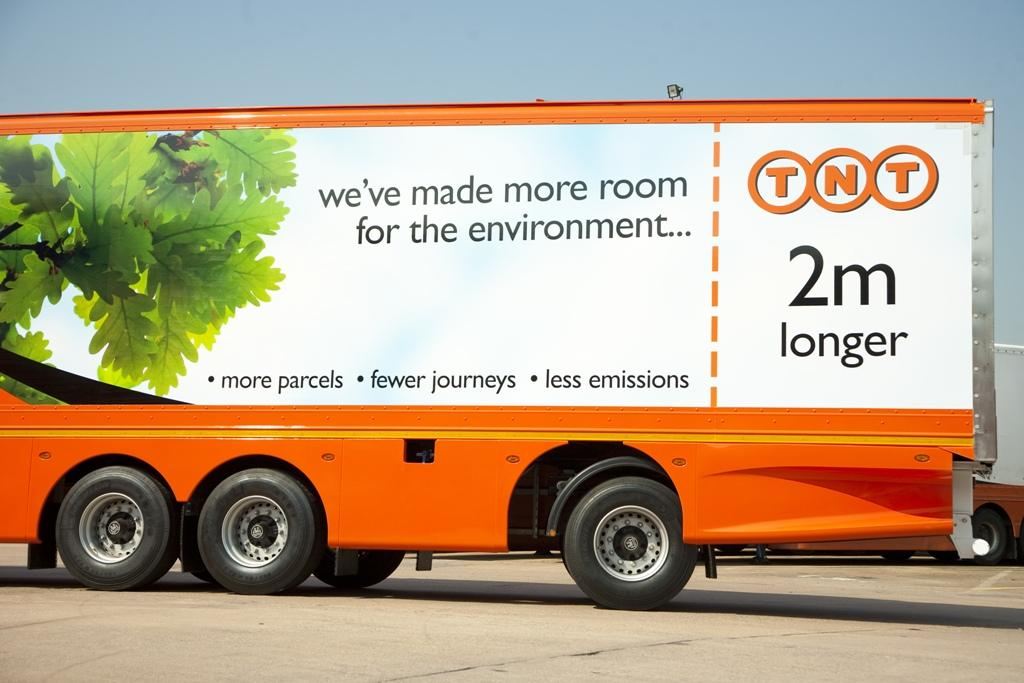 TNT long trailer aumenta il carico in UK con maxi lunghezza dei rimorchi