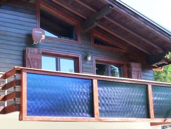 Pannelli Wagner & Co Solar Italia sostituiscono ringhiera del terrazzo