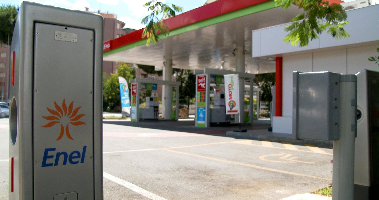 Enel con Totalerg per distribuzione energia per mobilità elettrica