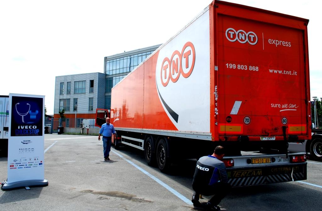 TNT Express Italy con IVECO per sicurezza stradale