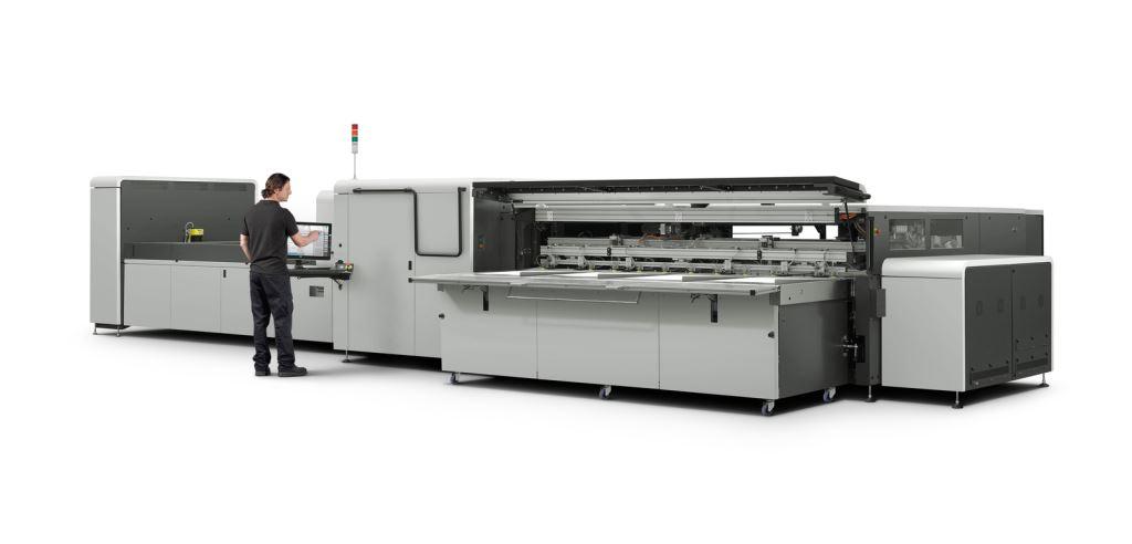 DB Ingegneria dell'Immagine stampa digitale con la nuova HP Scitex