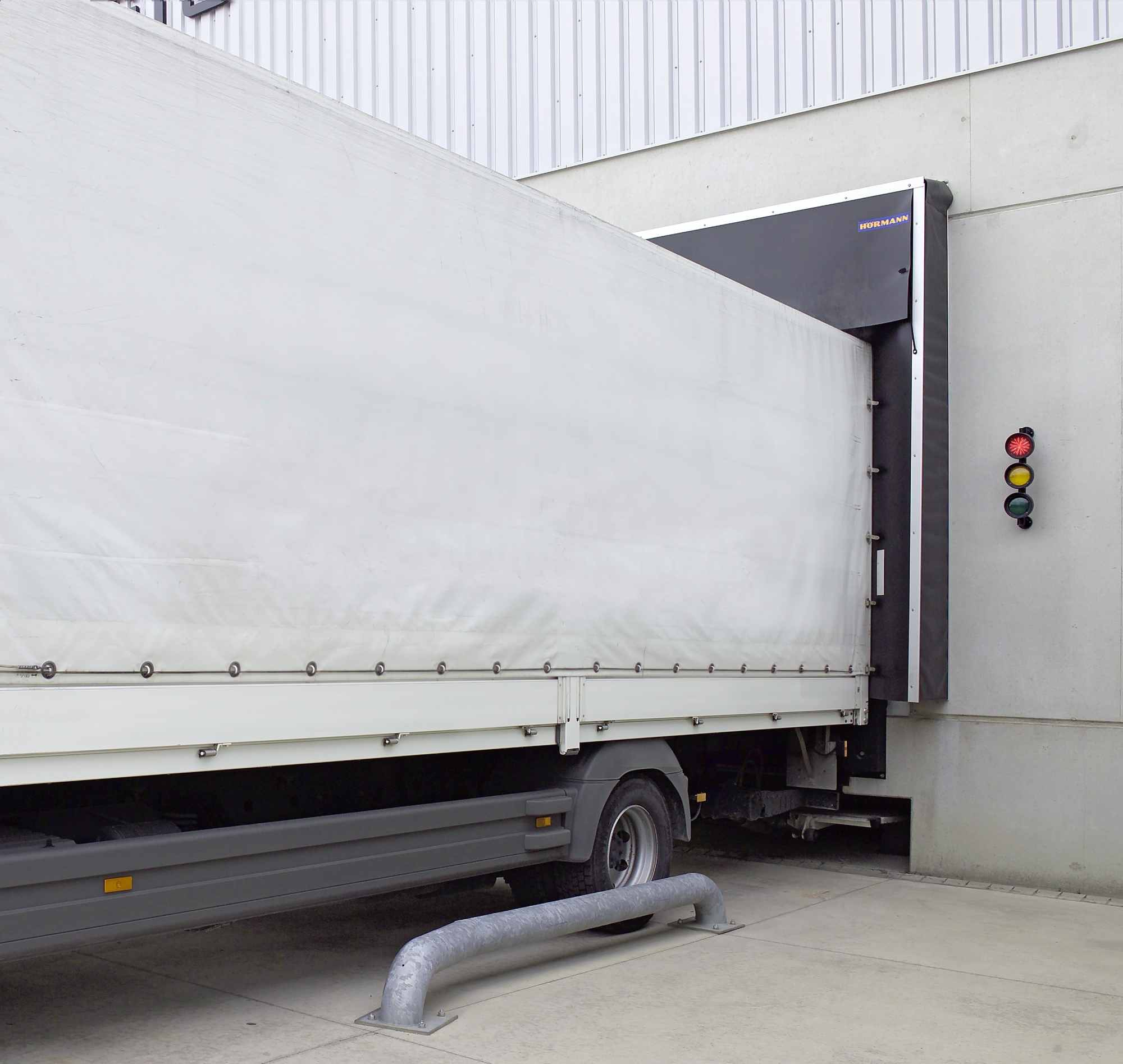 Sistema Dock Control Hoermann regola e salvaguarda processi carico e scarico