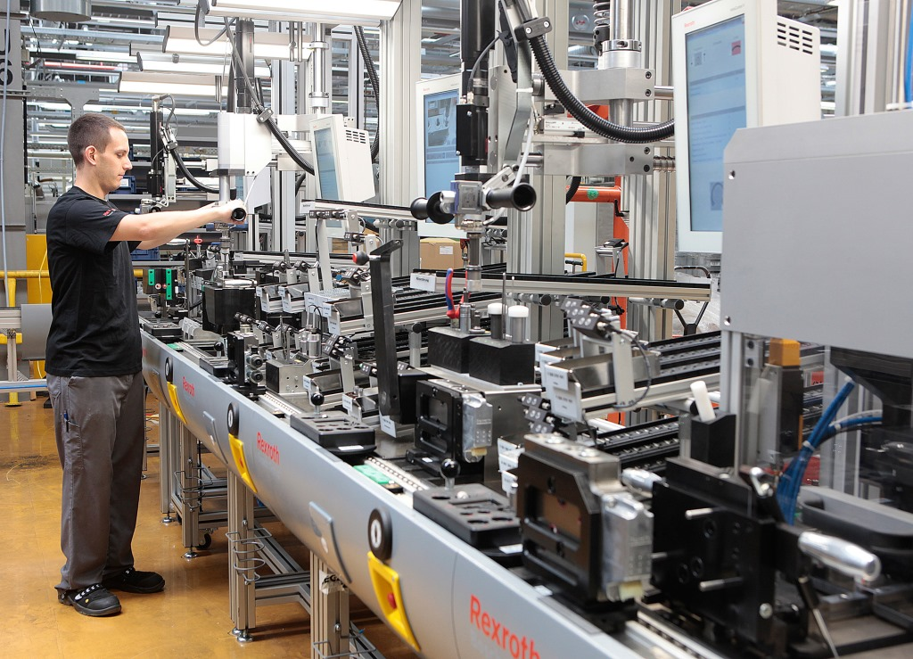 "Bosch pools Industry 4.0 expertise in the ""Connected Industry"""