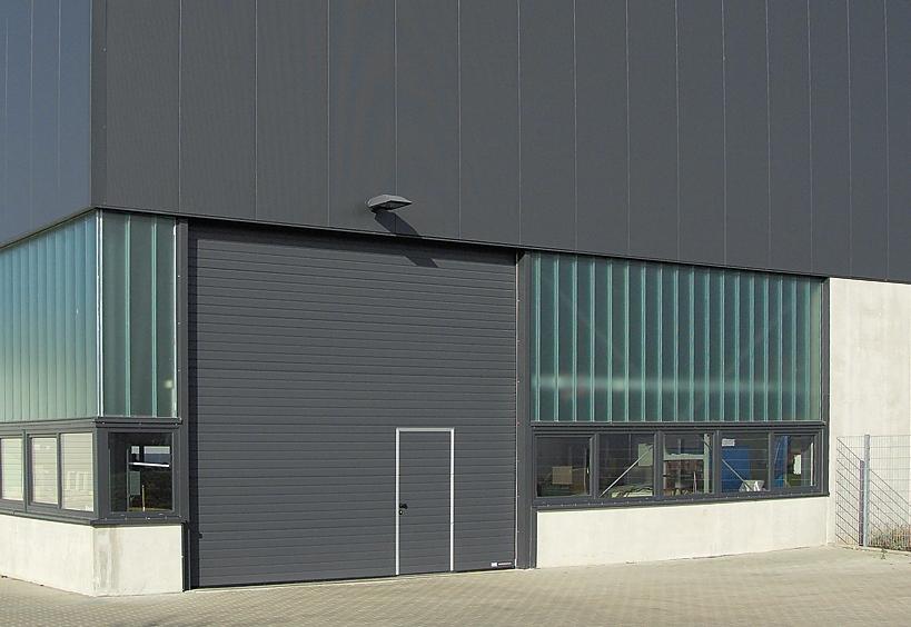 Hoermann portone sezionale con massima coibenza termica in ambito industriale