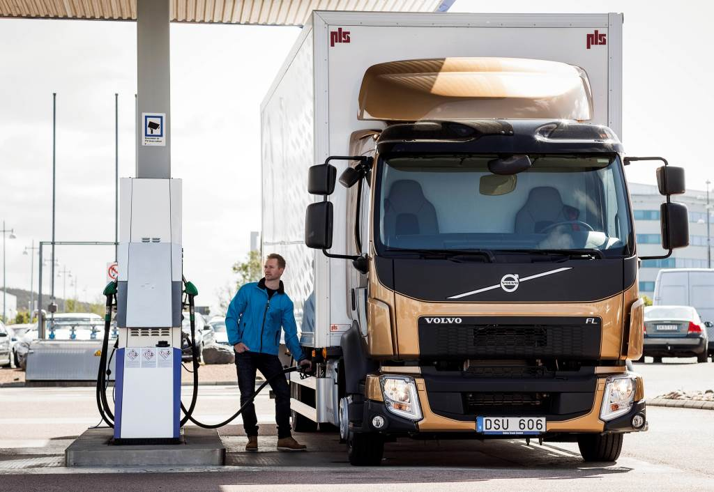 Volvo Trucks certify all engines for the diesel HVO