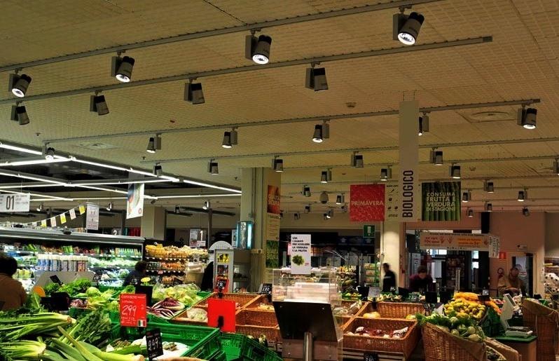 Realizzare prodotti per la qualità della luce: passione di famiglia in Fabas