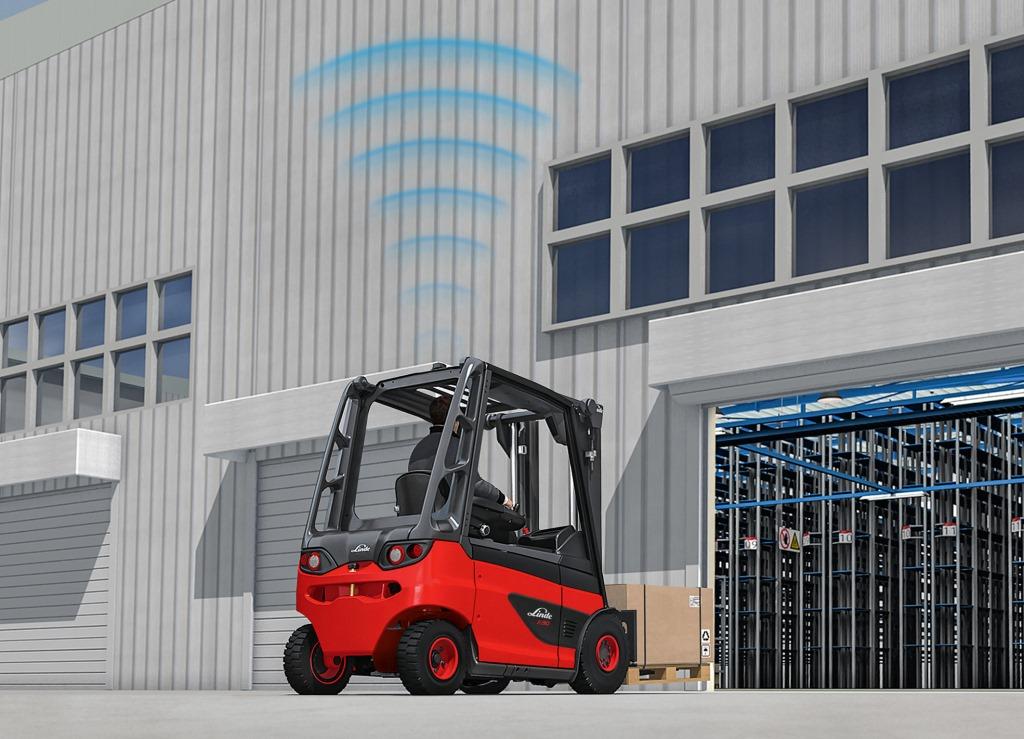Sensori radar per sicurezza carrelli elevatori Linde