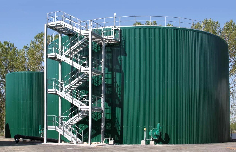 Advanced biomethane and biofuels